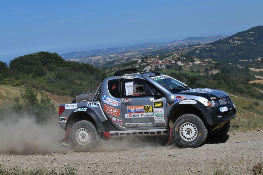 Colombo-Catarsi portano la Mitsubishi L200 di R Team Ralliart Offroad Italy sul podio del San Marino Cross Country